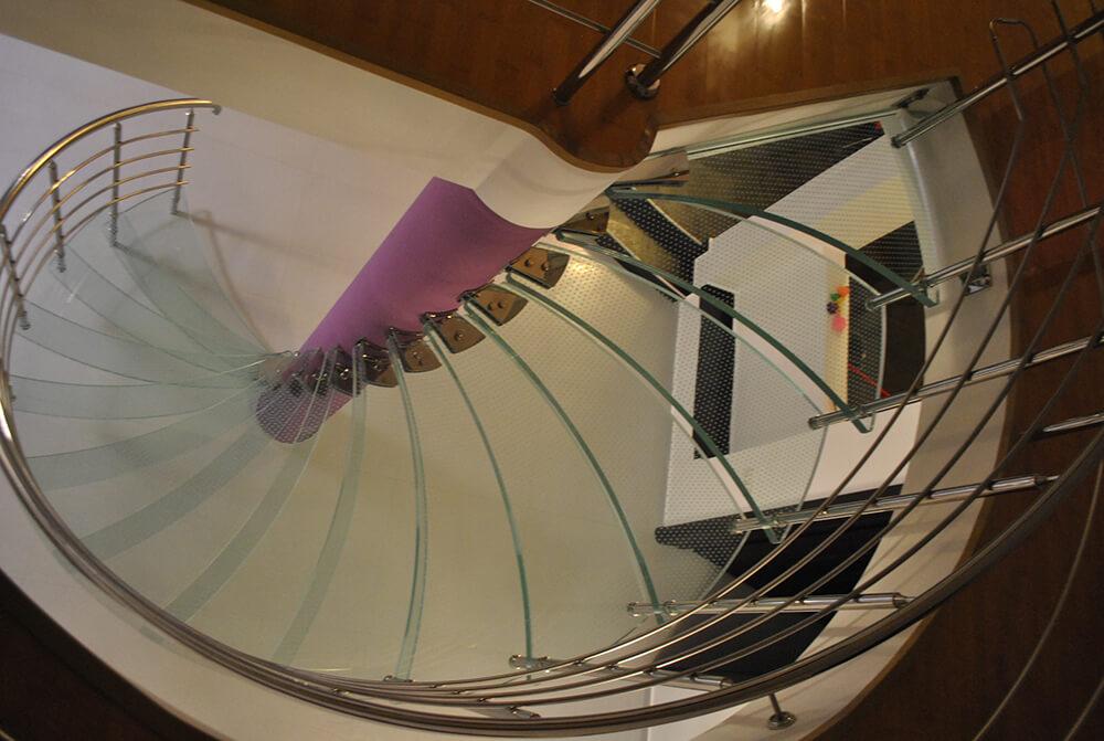 Scara circulara din sticla - 4