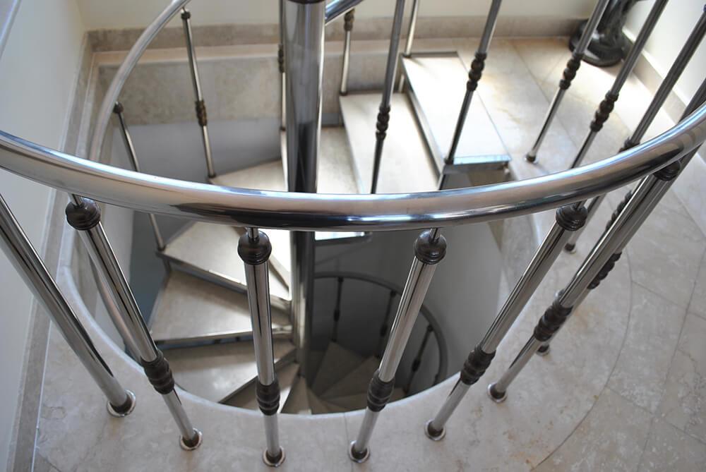 Scara circulara cu trepte din marmura - 3