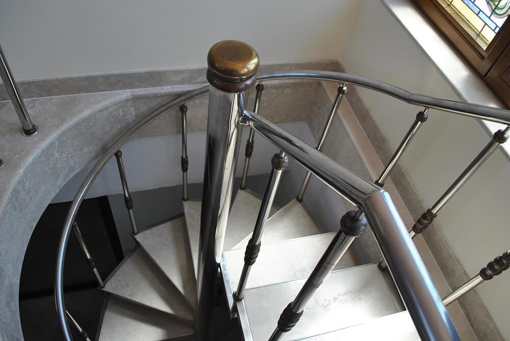 Scara circulara cu trepte din marmura - 4