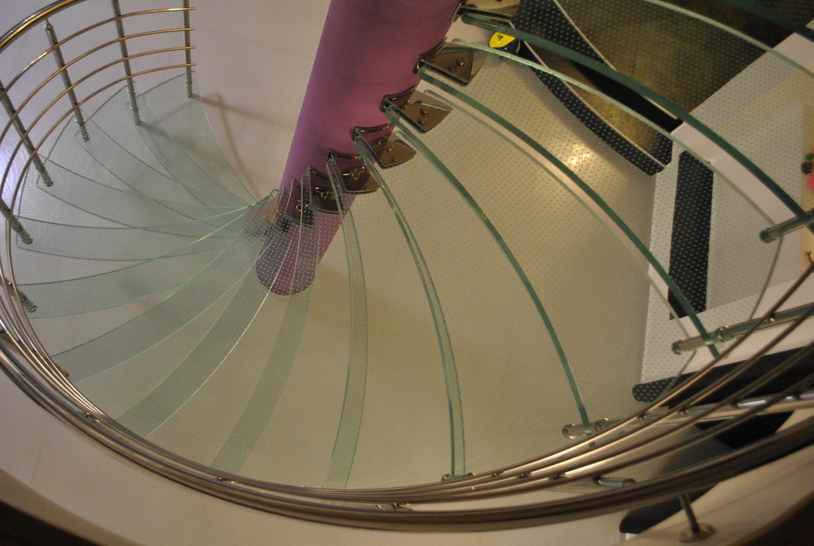 Scara circulară cu trepte de sticlă - 4