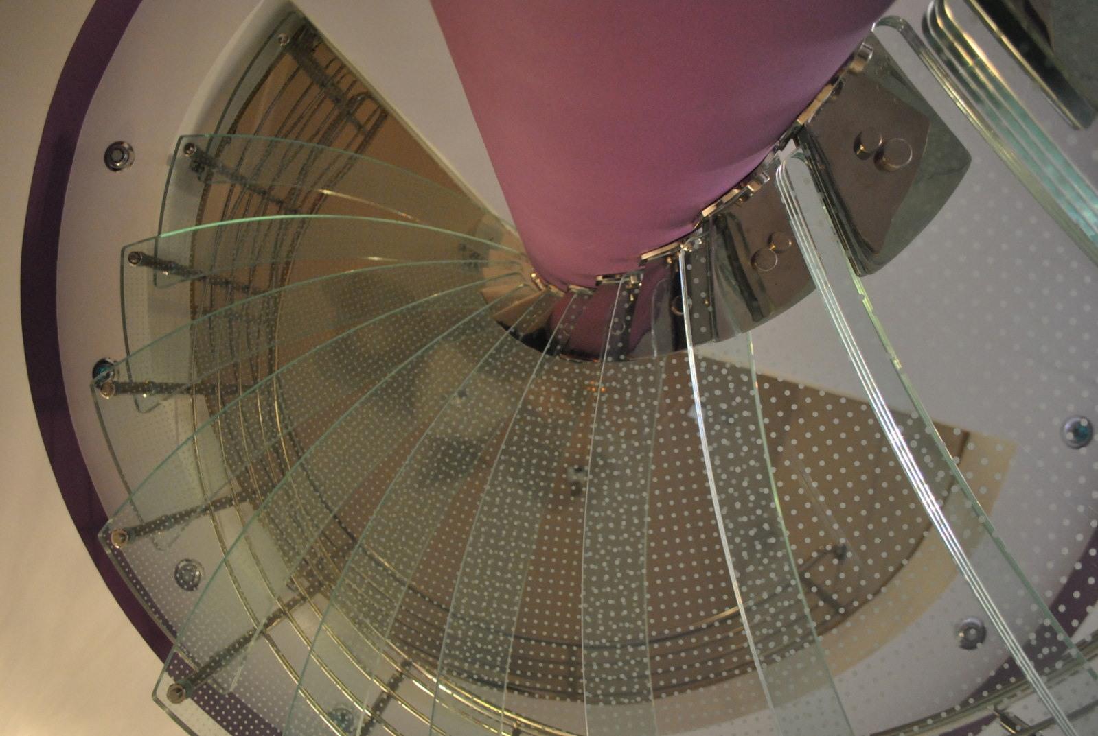 Scara circulară cu trepte de sticlă - 6