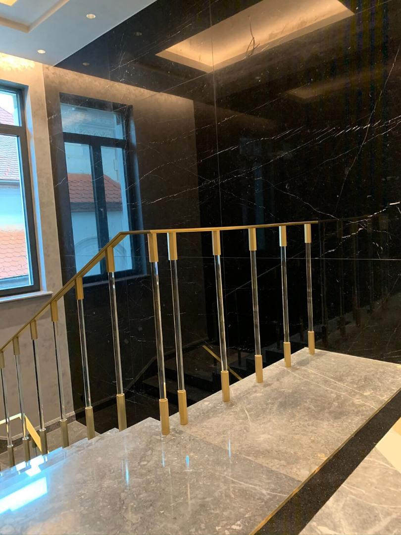 Balustrada alama și bare de sticlă  Lucrare 08 - 3